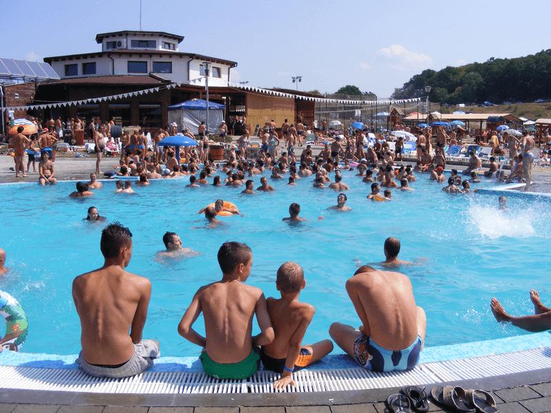 Pool Baile Figa