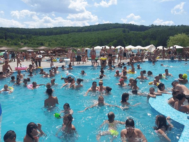 Party pool baile figa